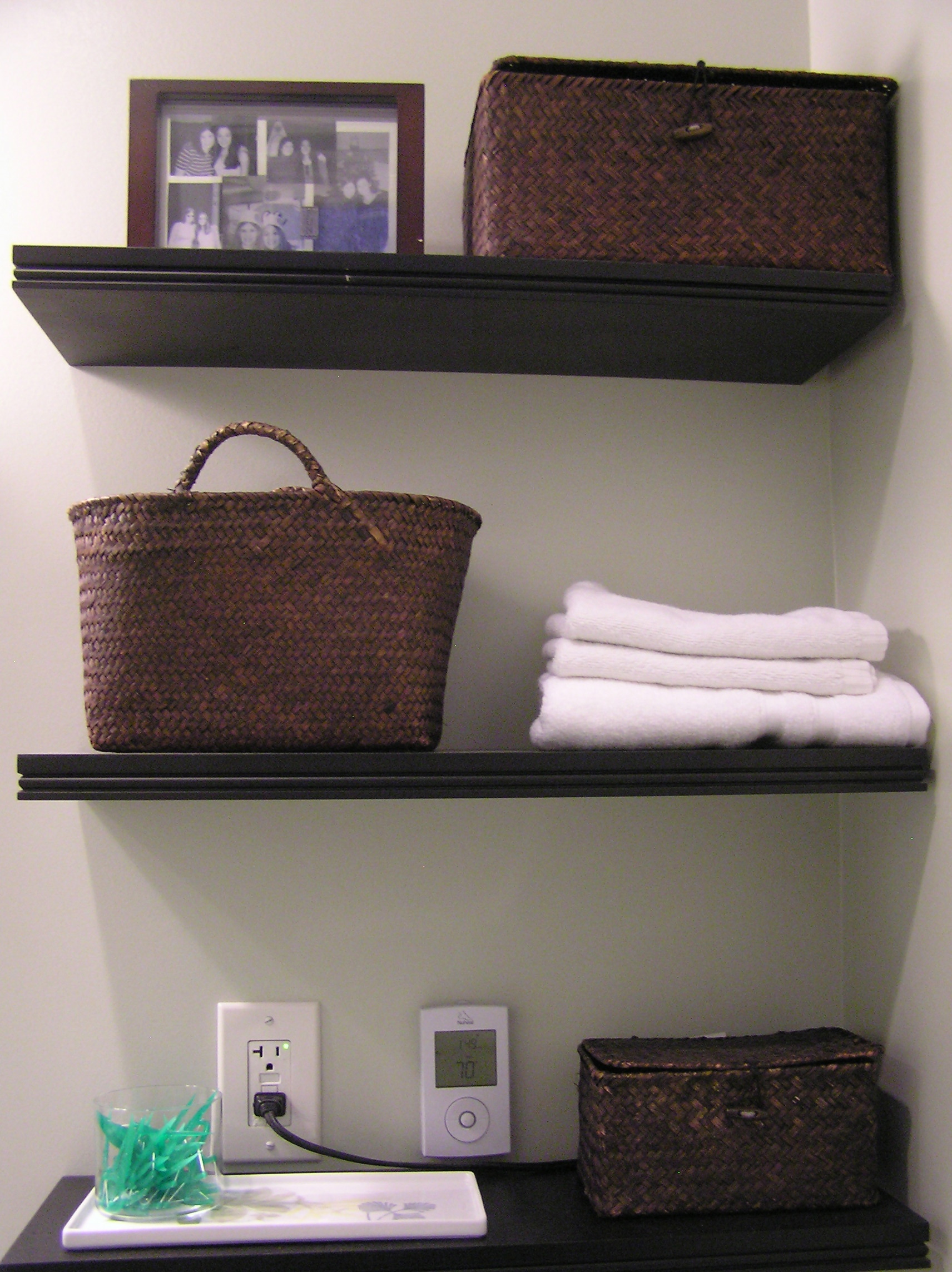 Bathroom Final Shelves